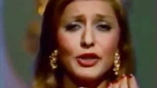 Googoosh. Gharibe Ashna Live (Rangarang) Show [HQ] گوگوش